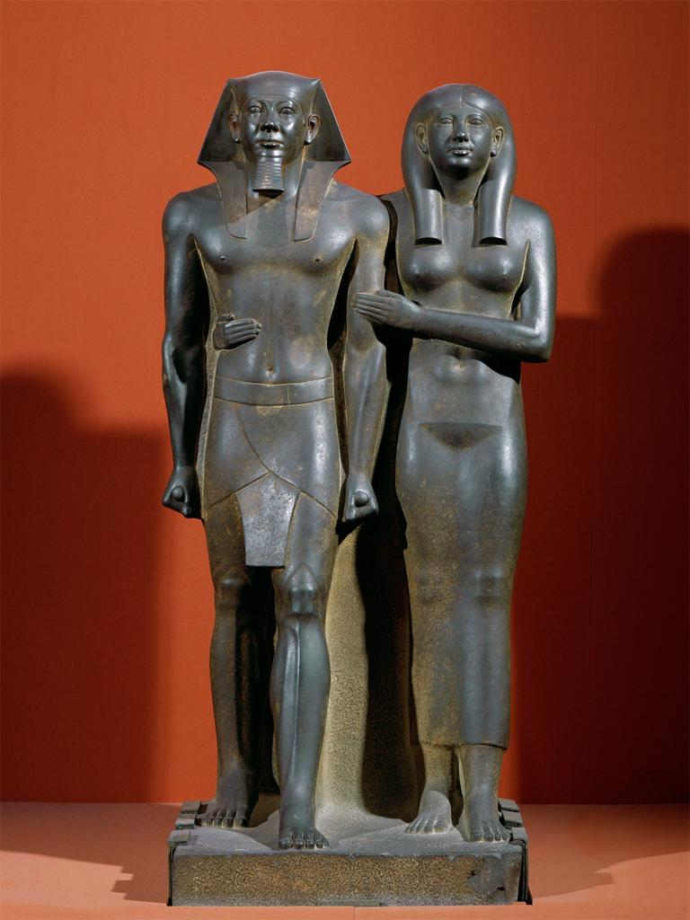 an analysis of the similarities and differences between the pair statue of menkaure and his queen